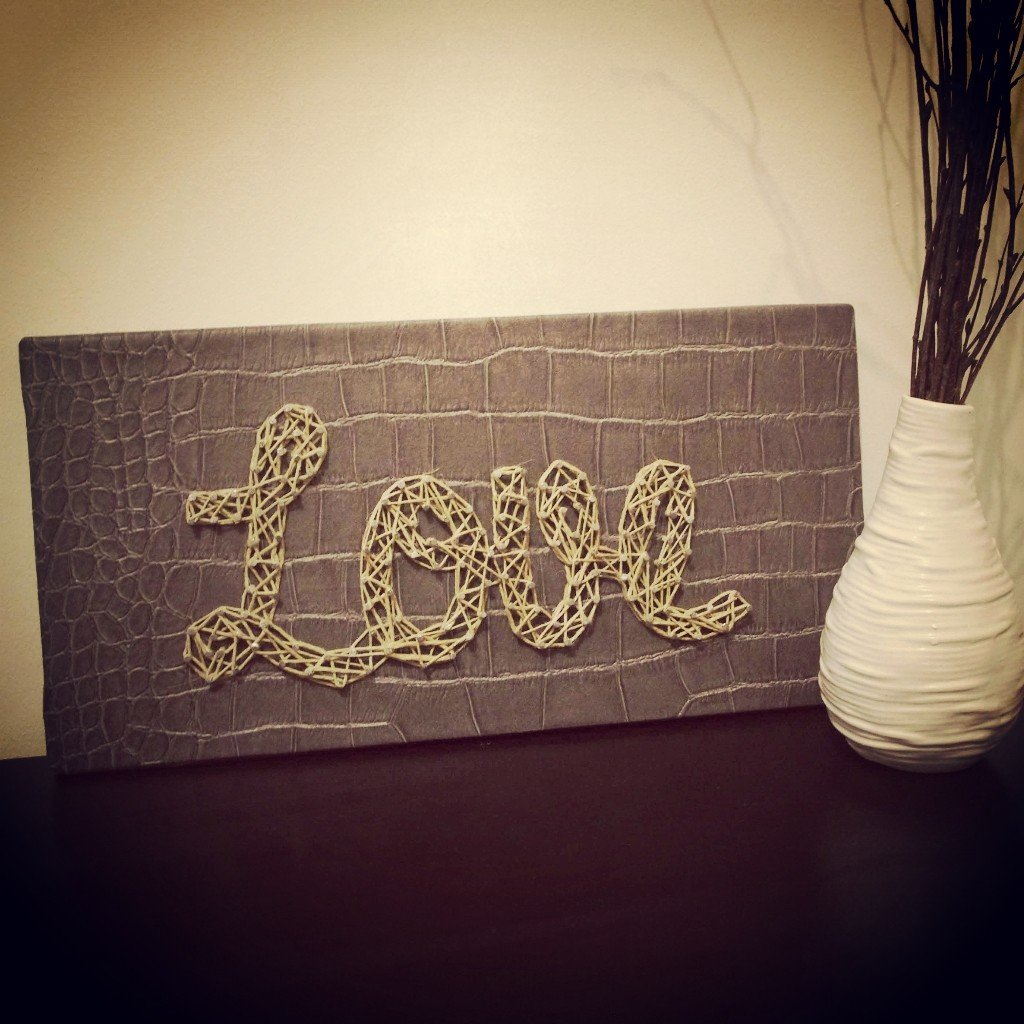 tutoriel diy un message en string art. Black Bedroom Furniture Sets. Home Design Ideas