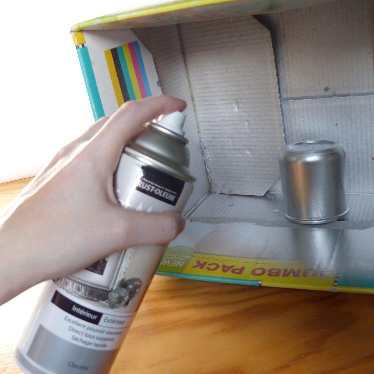Tutoriel diy calendrier de l avent r cup et aquarelle for Peindre a la bombe