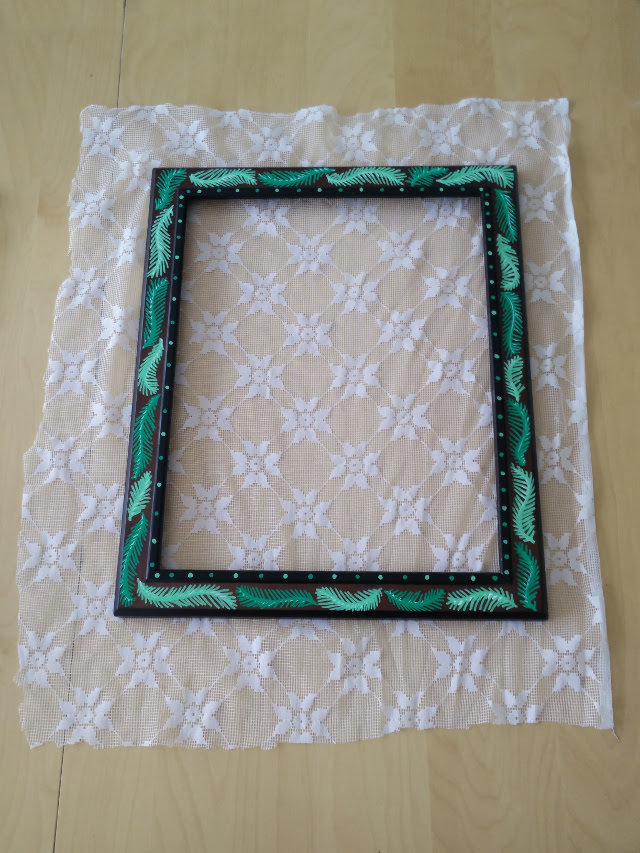 Lace earring holder 06