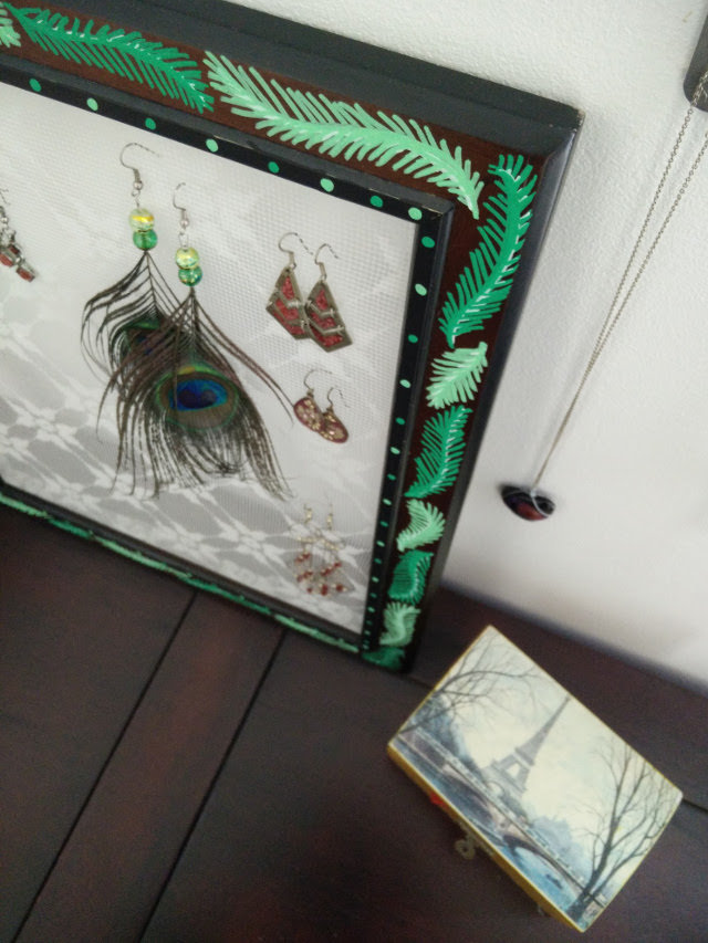 Lace earring holder 11