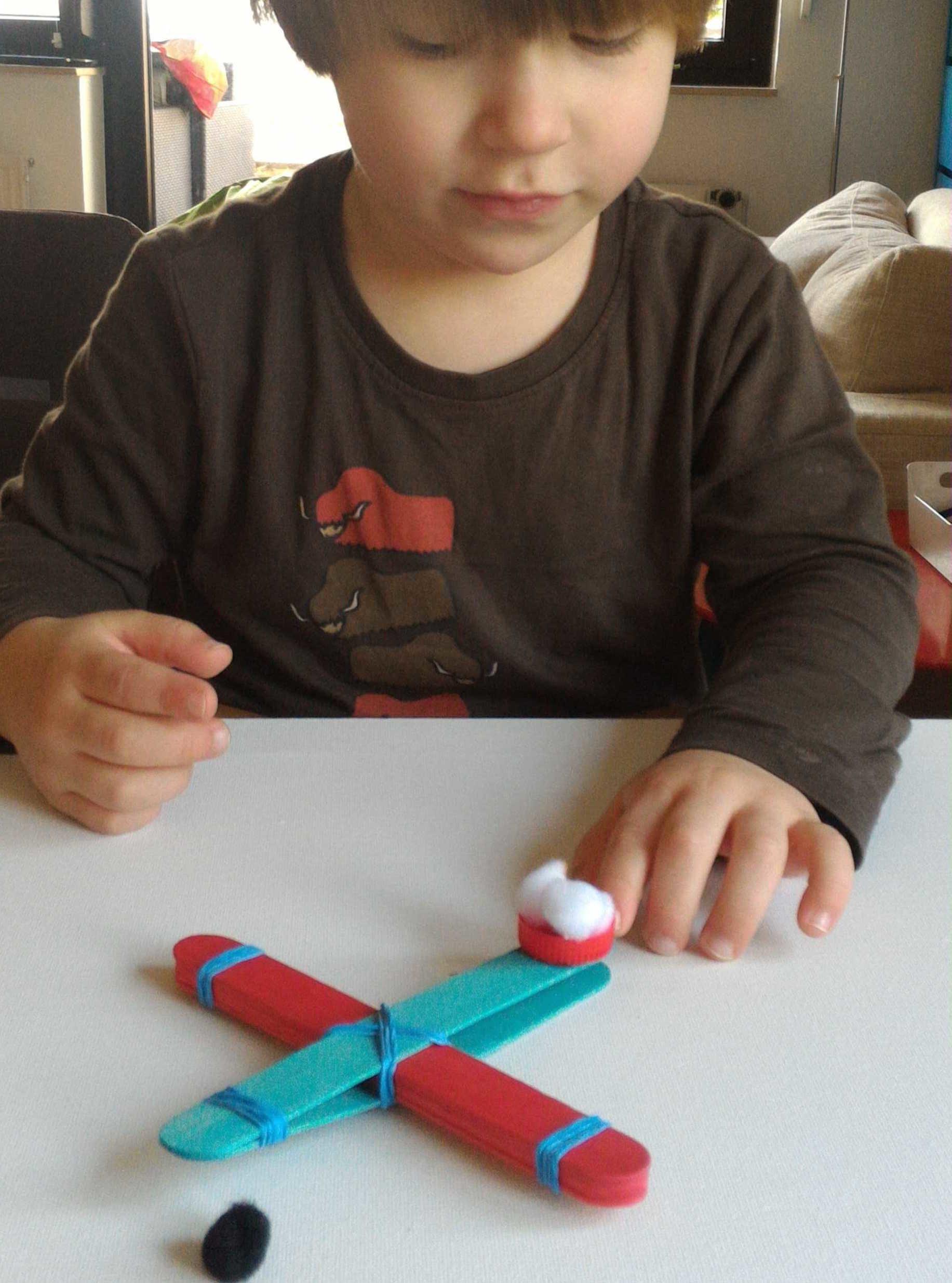 Fabriquer une catapulte   pompons
