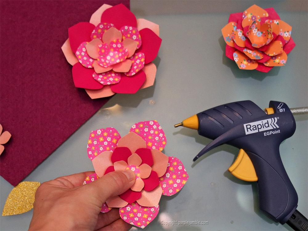 Banniere feutrine fleurs papier pompons 12