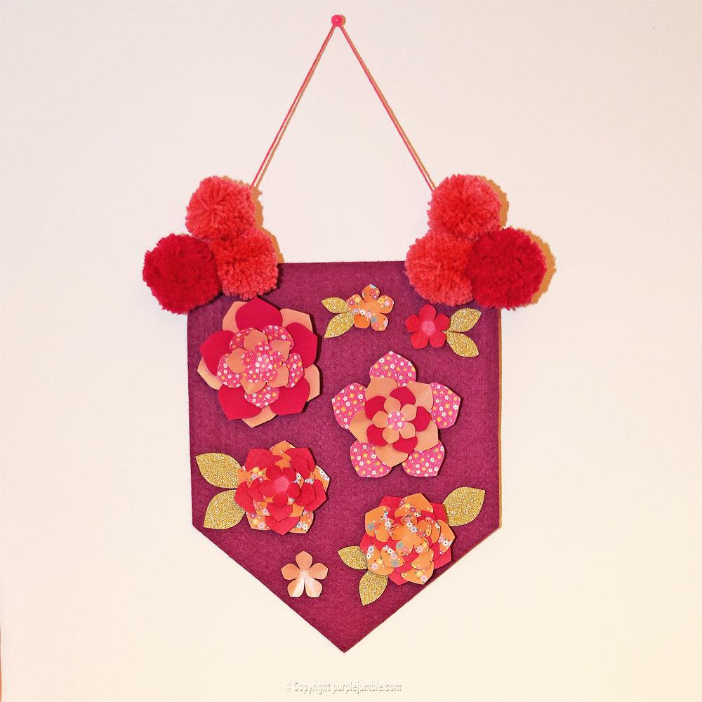 Banniere feutrine fleurs papier pompons 16
