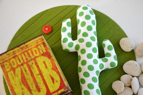 tutoriel diy diy d co cactus tissu. Black Bedroom Furniture Sets. Home Design Ideas
