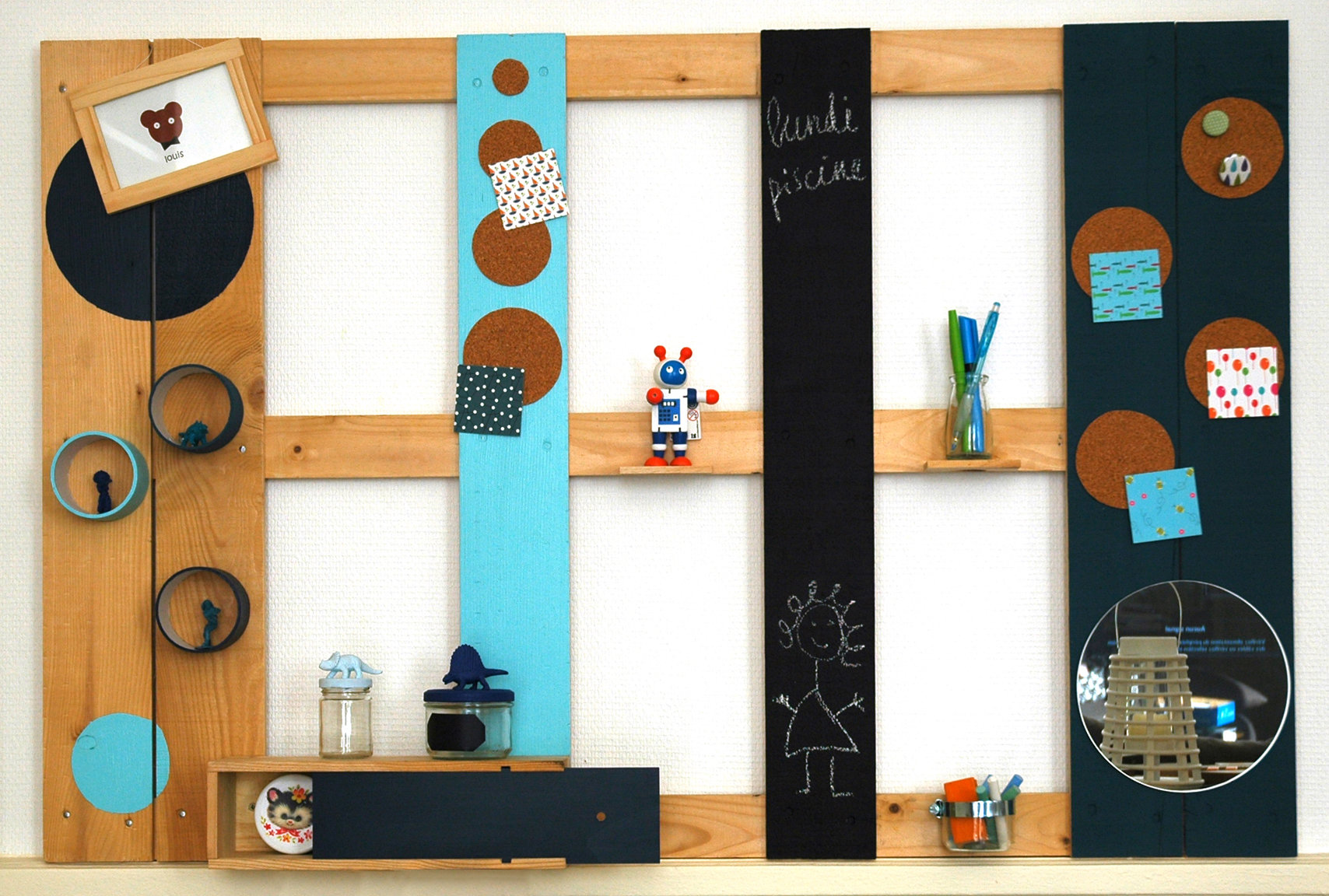 tutoriel diy l 39 organiseur mural en palette. Black Bedroom Furniture Sets. Home Design Ideas