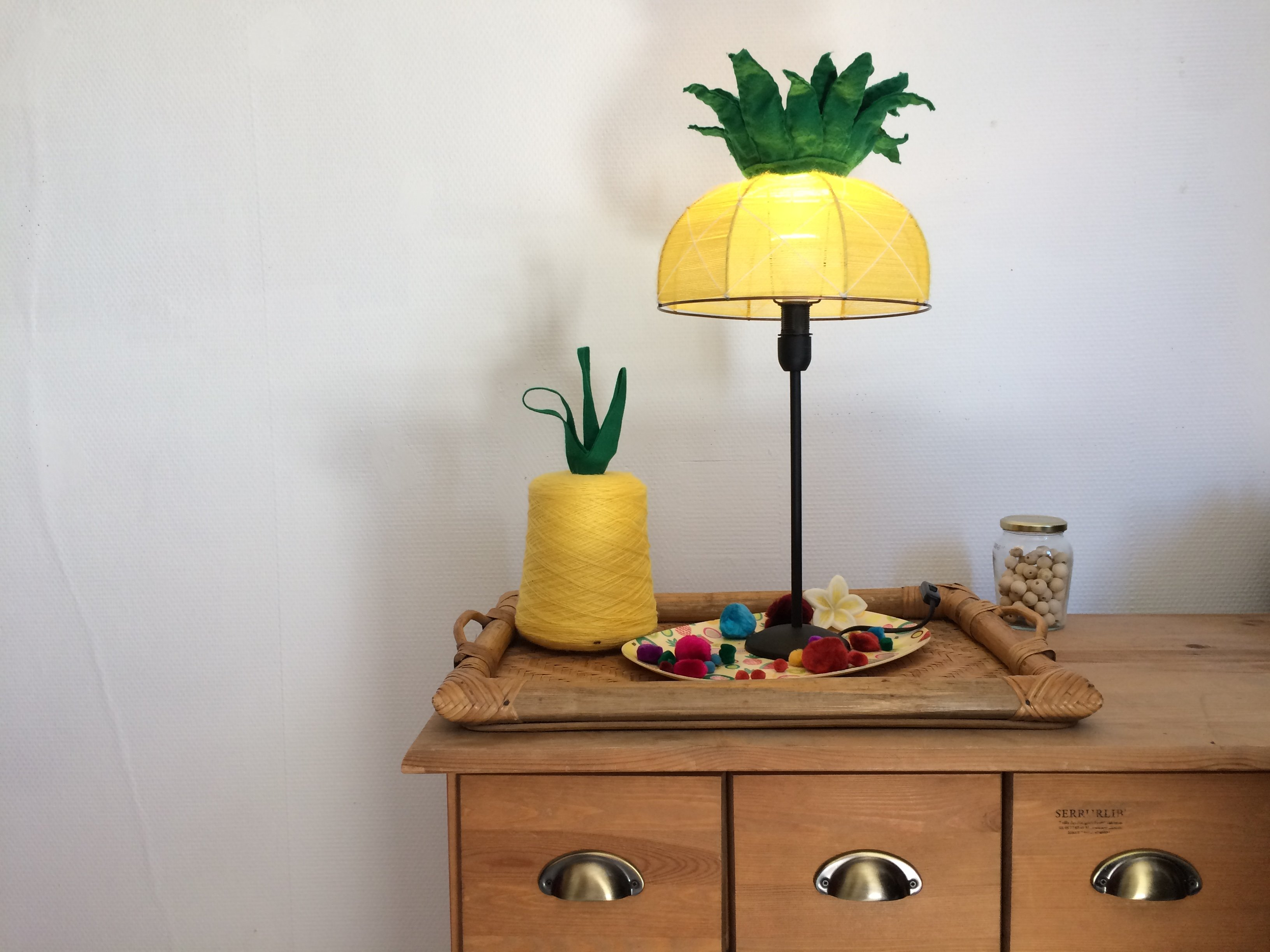 tutoriel diy abat jour ananananas. Black Bedroom Furniture Sets. Home Design Ideas