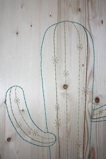 Broderie bois detail