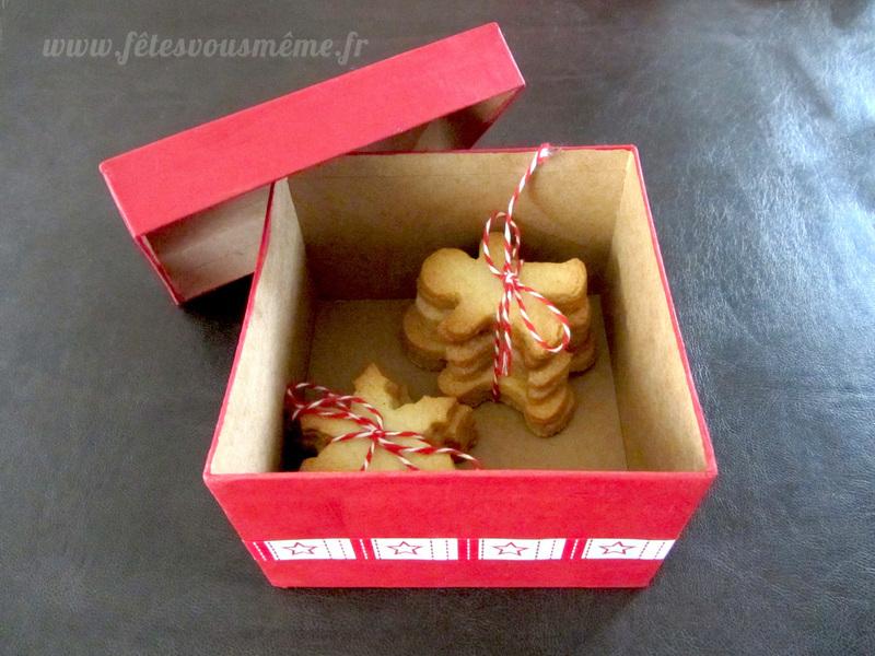 Biscuits de noel et sa boite decoree