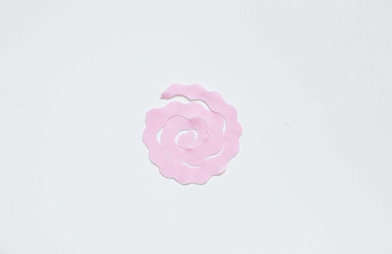Une tenture fleurie 01