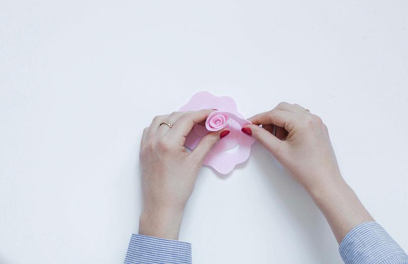 Une tenture fleurie 02