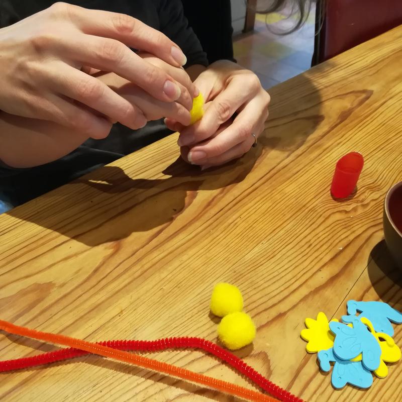2 assembler pompon poussin