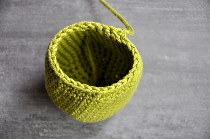 Oam creature crochet 06