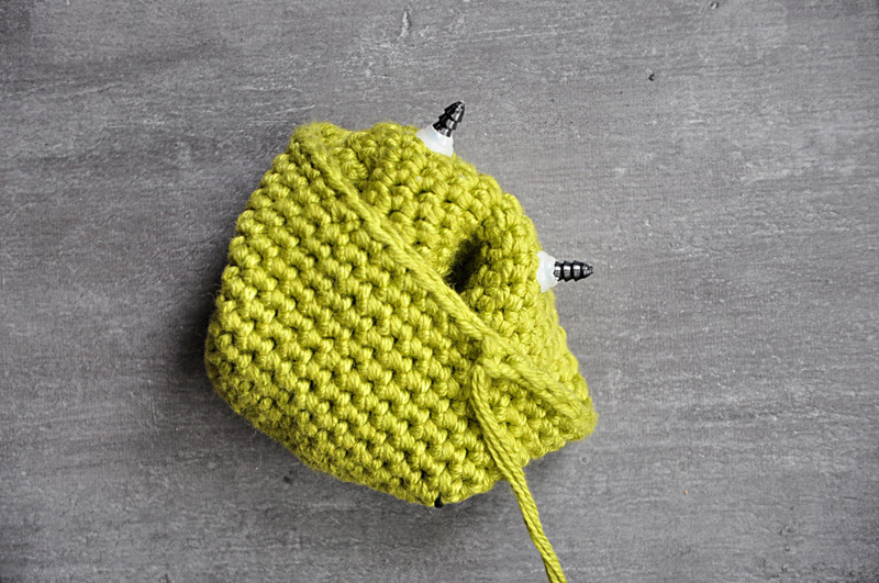 Oam creature crochet 09