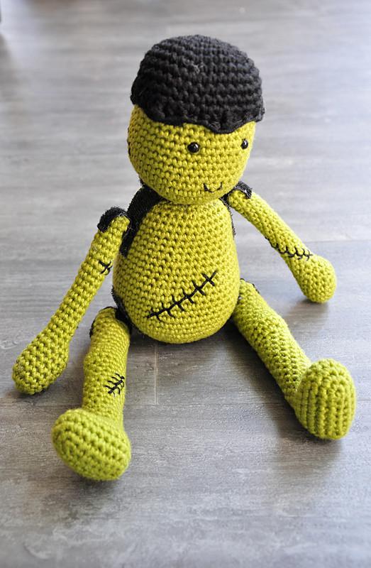 Oam creature crochet 40