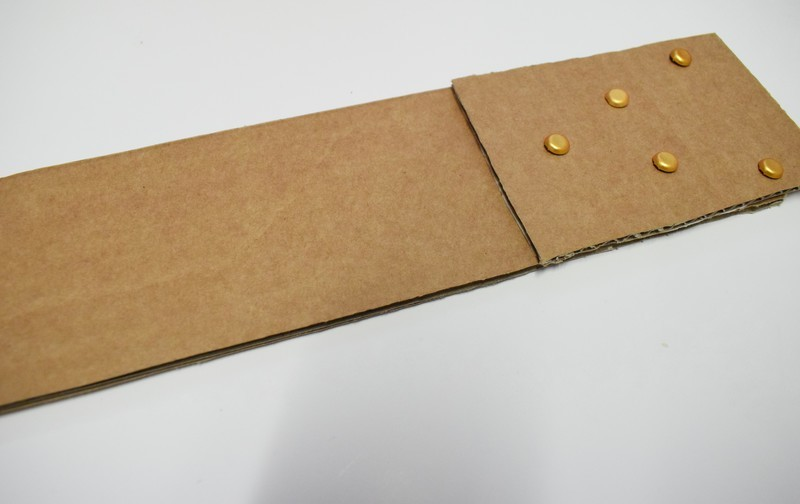 Guitare en carton jeu  23