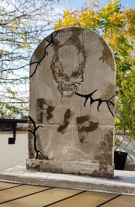 Tombe fini halloween 1  2
