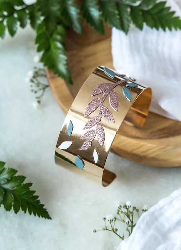 Bracelet manchette dor%c3%a9 v%c3%a9g%c3%a9tale   bijoux leanna earle